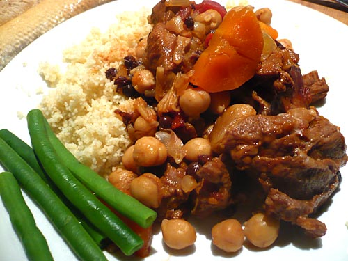Lamb shanks with tomatoes and chickpeas